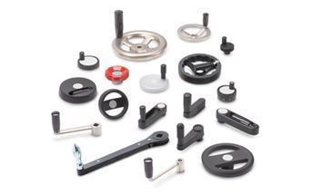 1.3 Adjusting with Handwheels and Crank Handles